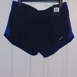 Nike Ladies Shorts Size XXL